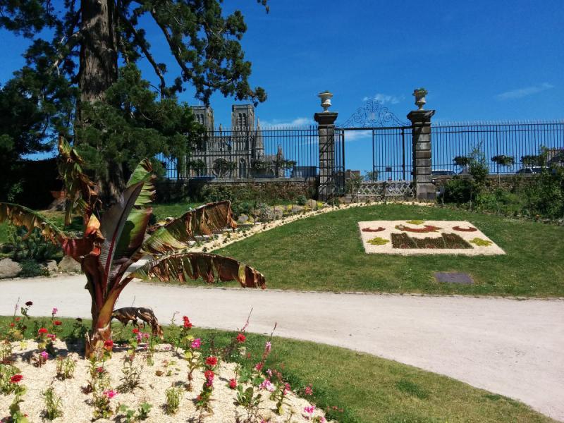 Le jardin des plantes d 39 avranches vue sur la baie for Au jardin des plantes avranches